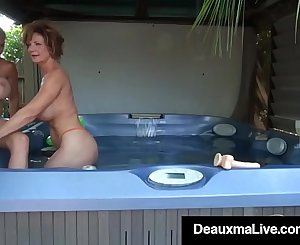 Cougars Deauxma & Brook Tyler Tongue Fuck & Cum!